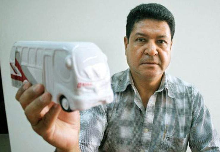 No solo Orión, sino también a las autoridades en sus manos. En la foto, José López presidente de Orión. Imagen: Radio Exitosa