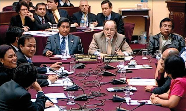 En presencia de Ezequiel Nolasco, la comisión archivó la investigación a Álvarez