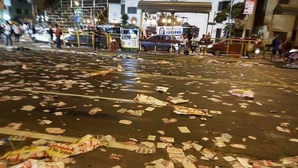 Leyenda de la foto: Seguimos esperando que la Municipalidad de Lima publique cómo están limpiando el lugar, o la Chichi, o RPP ¡alguien por favor!