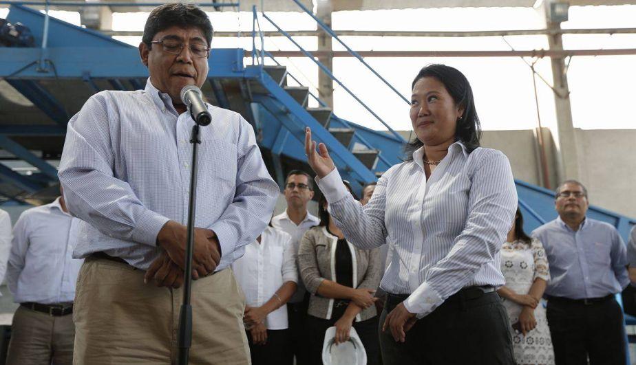 ¡Tienes que decir que te caigo bien, Elmer! Fuente: Perú21.pe